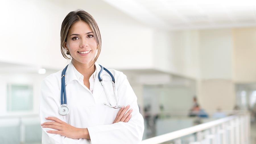 Médico de Ginetec Barcelona que realiza el aborto quirúrgico